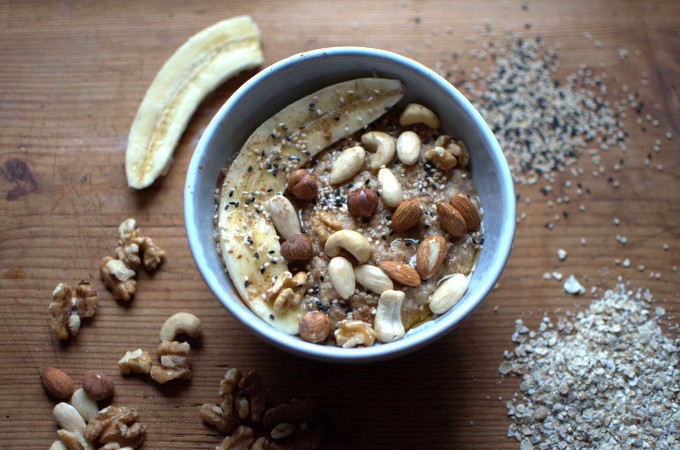 Porridge nuts seeds banane