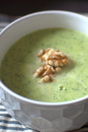 Zucchini Suppe mit Basilikum   FREE MINDED FOLKS