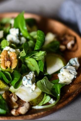 Feldsalat mit Birne und Gorgonzola |FREE MINDED FOLKS