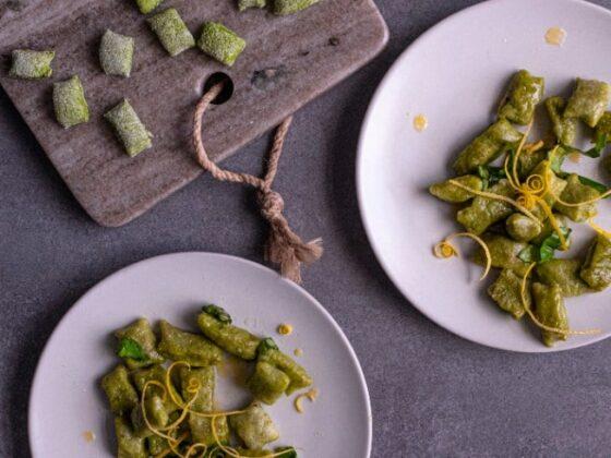 Spinatgnocchi mit Zitrone | FREE MINDED FOLKS