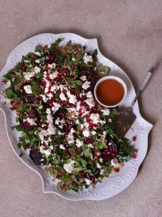 Grünkern Salat mit Rote Bete und Himbeer Essig Dressing | FREE MINDED FOLKS